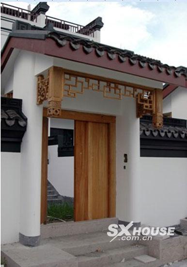 湖畔春秋实地探访:纯中式别墅实景呈现 倍受热捧图片